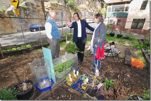 Carl   City people top garden (1)