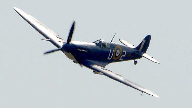 845153-spitfire