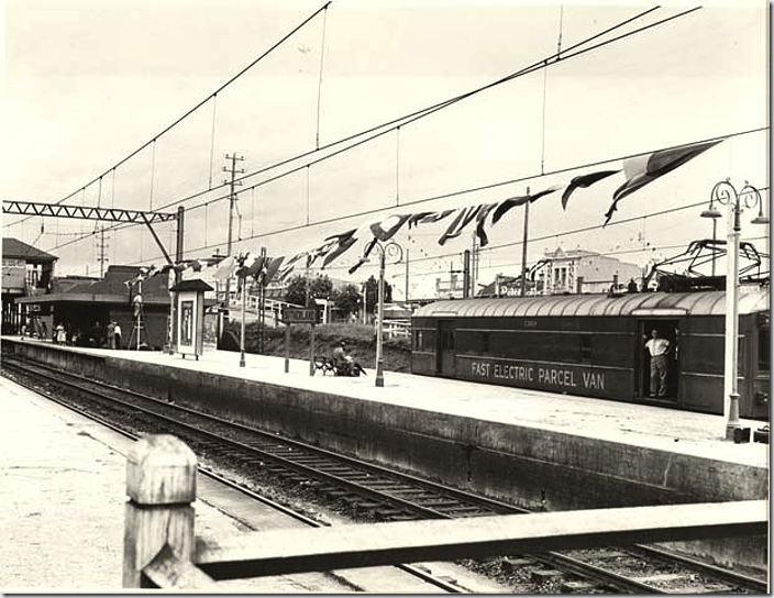 Railway_Station_-_Sutherland_1954-1